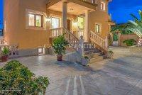 Luxury 5 Bed Villa in Central Quesada (19)