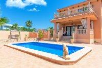 Luxury 5 Bed Villa in Central Quesada (34)