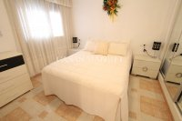 Roomy 2 Bed Apartment - Walking Distance to the Beach (7)