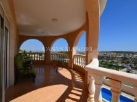 Large Villa with Golf Course Views (13)