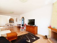 Large Villa with Golf Course Views (7)