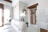 Stylish 2 Bed Top-Floor Apartment - Golf Course Views!  (11)