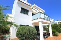 Luxury 3 Bed Villa With a 2 Bed Guest Apartment - Sea Views!