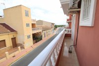 An Exceptionally Spacious 3-Storey Village Townhouse  (10)