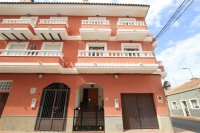 An Exceptionally Spacious 3-Storey Village Townhouse  (4)