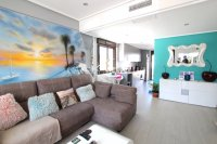 Luxury 3 Bed South-Facing Garden Apartment  (7)