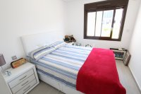 Luxury 3 Bed South-Facing Garden Apartment  (9)