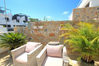 Luxury 3 Bed South-Facing Garden Apartment  (18)