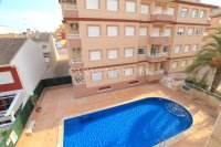 A Well-Presented Second Floor Corner Apartment - Pool Views (17)