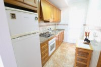 Wonderful 2 Bedroom Garden Apartment - Central Location! (16)