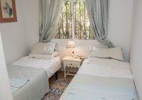 Charming 3 Bed / 2 Bath Detached Villa  (12)