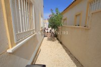 Stunning 3 Bed Villa with Mountain Views (28)