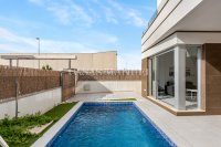 Stunning villa with private pool - close to all amenities! (10)