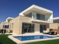 3 Bedroom Villa in VistaBella (1)
