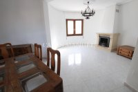 Sizeable 5 Bed / 4 Bath Villa With Private Pool + Guest Accommodation (7)