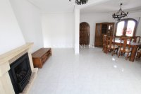 Sizeable 5 Bed / 4 Bath Villa With Private Pool + Guest Accommodation (6)