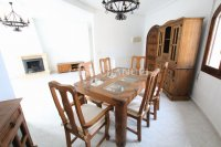 Sizeable 5 Bed / 4 Bath Villa With Private Pool + Guest Accommodation (8)