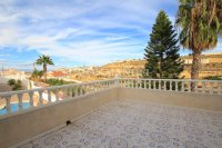Sizeable 5 Bed / 4 Bath Villa With Private Pool + Guest Accommodation (11)