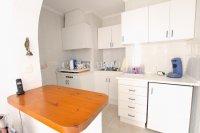 Large 4 Bed / 3 Bath Villa - Guest Apartment + Sea Views!  (30)