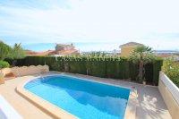 Large 4 Bed / 3 Bath Villa - Guest Apartment + Sea Views!  (5)