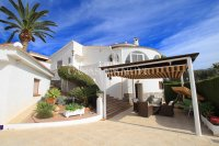 Large 4 Bed / 3 Bath Villa - Guest Apartment + Sea Views!  (1)