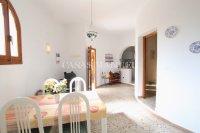 Large 4 Bed / 3 Bath Villa - Guest Apartment + Sea Views!  (31)