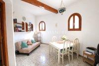 Large 4 Bed / 3 Bath Villa - Guest Apartment + Sea Views!  (32)