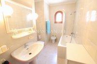 Large 4 Bed / 3 Bath Villa - Guest Apartment + Sea Views!  (34)