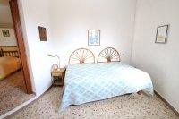 Large 4 Bed / 3 Bath Villa - Guest Apartment + Sea Views!  (37)