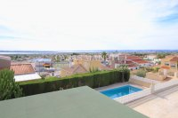 Large 4 Bed / 3 Bath Villa - Guest Apartment + Sea Views!  (38)