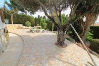 Large 4 Bed / 3 Bath Villa - Guest Apartment + Sea Views!  (9)