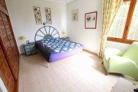 Large 4 Bed / 3 Bath Villa - Guest Apartment + Sea Views!  (25)