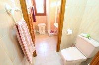 Large 4 Bed / 3 Bath Villa - Guest Apartment + Sea Views!  (27)