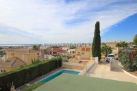 Large 4 Bed / 3 Bath Villa - Guest Apartment + Sea Views!  (8)