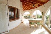 Large 4 Bed / 3 Bath Villa - Guest Apartment + Sea Views!  (13)