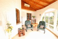 Large 4 Bed / 3 Bath Villa - Guest Apartment + Sea Views!  (14)