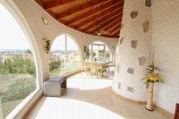 Large 4 Bed / 3 Bath Villa - Guest Apartment + Sea Views!  (12)