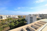 Luxury 2 Bed / 2 Bath Penthouse with Sea Views!  (12)