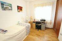 Superior 3 Bed Apartment With Designer Interior  (16)