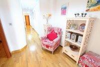 Superior 3 Bed Apartment With Designer Interior  (1)