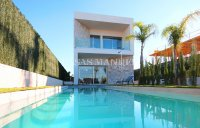 South-Facing Villa With Guest Apartment- Exclusive Surroundings