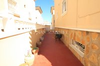 Large 4 Bed South-Facing Villa with Guest Accommodation  (33)
