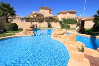 Large 4 Bed South-Facing Villa with Guest Accommodation  (1)