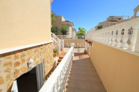 Large 4 Bed South-Facing Villa with Guest Accommodation  (32)