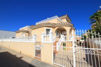 Large 4 Bed South-Facing Villa with Guest Accommodation  (34)