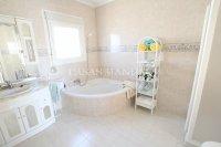 Superior 3 Bed / 2 Bath Semi-Detached Villa  (19)