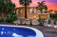 Luxury villa in the center of Ciudad Quesada (21)