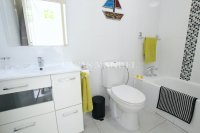 Roomy South-Facing Buena Vista Apartment (11)