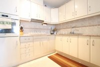 Exceptionally Spacious Townhouse With Guest Accommodation. (6)