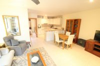 Exceptionally Spacious Townhouse With Guest Accommodation. (8)
